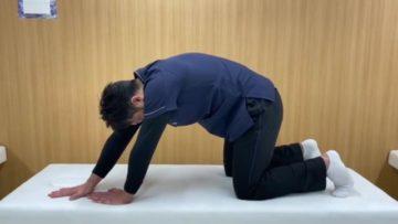 背部や腰部のストレッチ応用エクササイズの画像